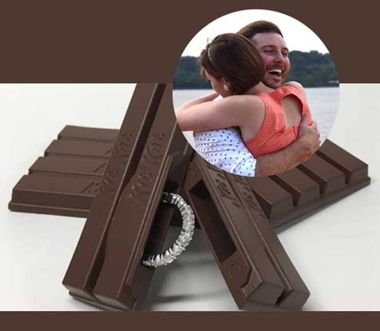 Man Ridiculed for Eating Kit Kat the 'Wrong' Way Proposes With a Kit Kat-Shaped Ring Box