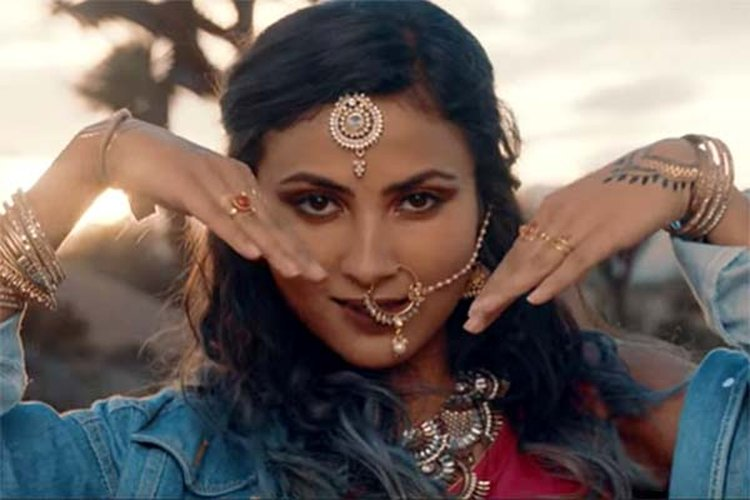 6707d0b8b122b Music Friday: YouTube Sensation Vidya Vox Is All About Diamonds and Gold